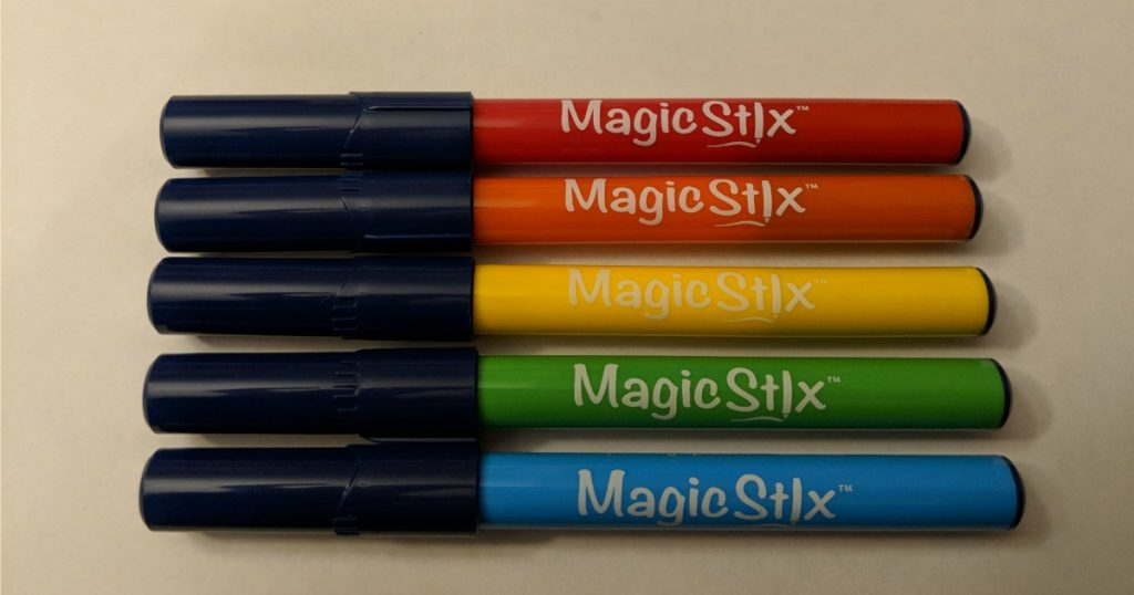 The new magic stix markers are amazing. They are perfect for mess free kid craft projects. #magicstixcaptest #magicstix